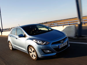 Foto Exteriores Hyundai I30 Dos Volumenes 2012