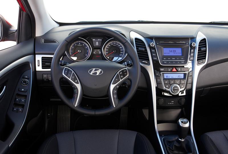 Foto Interiores Hyundai I30 Dos Volumenes 2015