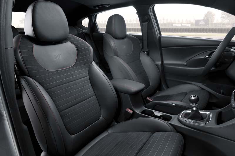 Hyundai i30 Fastback N, foto asientos delanteros