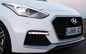 Foto Detalles 3 Hyundai I30-turbo Dos Volumenes 2015