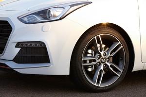 Foto Detalles 5 Hyundai I30-turbo Dos Volumenes 2015