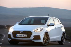 Foto Exteriores 14 Hyundai I30-turbo Dos Volumenes 2015