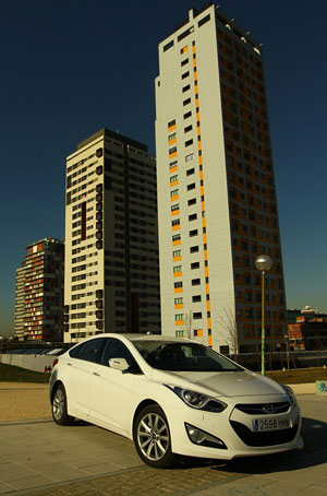Foto Exteriores (14) Hyundai I40 Sedan 2011