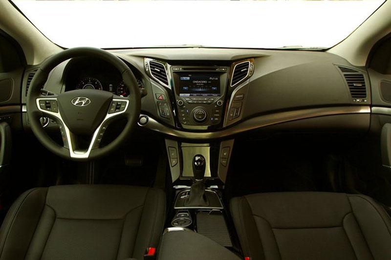 Foto Interiores Hyundai I40 Sedan 2011