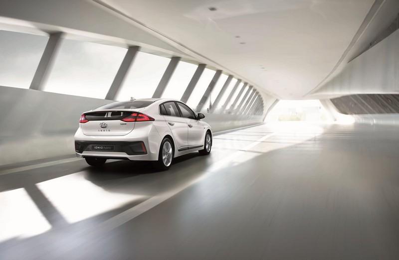 Foto Exteriores Hyundai Ioniq Sedan 2016