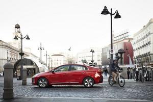 Foto Exteriores 2 Hyundai Ioniq-electrico Sedan 2017