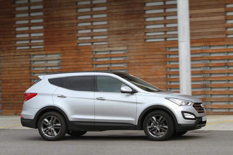 Foto Lateral Hyundai Santa Fe Suv Todocamino 2012