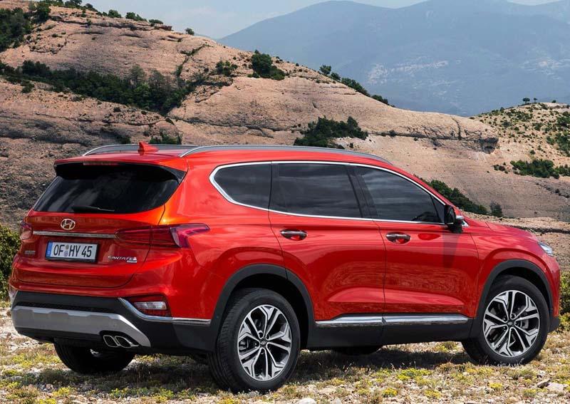 Hyundai Santa Fe 2018, foto trasera