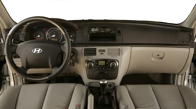 Foto Salpicadero Hyundai Sonata Sedan 2005