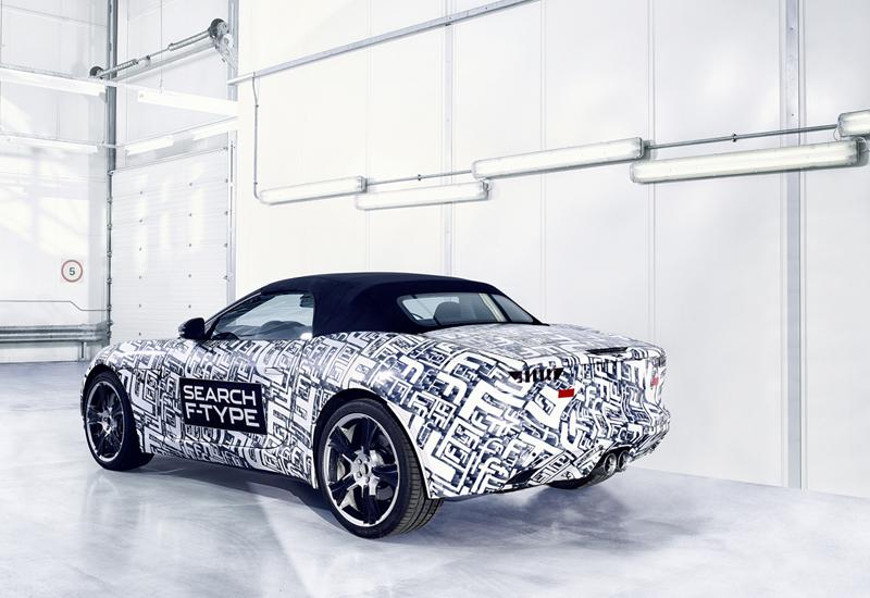 Foto Trasera Jaguar F Type Descapotable 2012