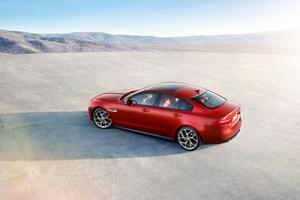 Foto Exteriores (4) Jaguar Xe Berlina 2014