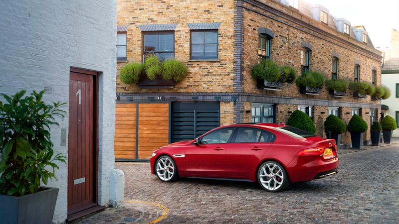 Foto Exteriores (1) Jaguar Xe Berlina 2014