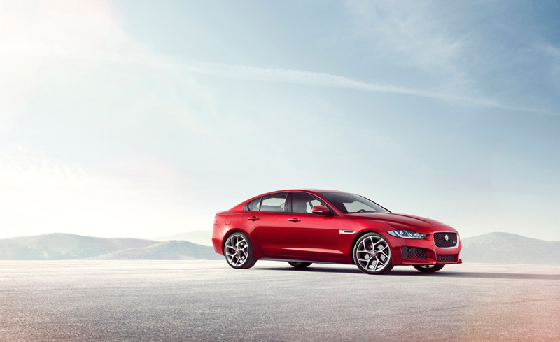 Foto Lateral Jaguar Xe Berlina 2014