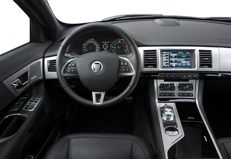 Foto Interiores-(6) Jaguar Xf Sedan 2011