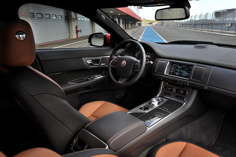 Foto Interiores-(7) Jaguar Xf Sedan 2011