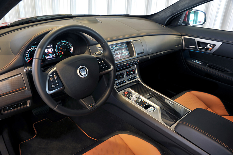 Foto Interiores-(9) Jaguar Xf Sedan 2011