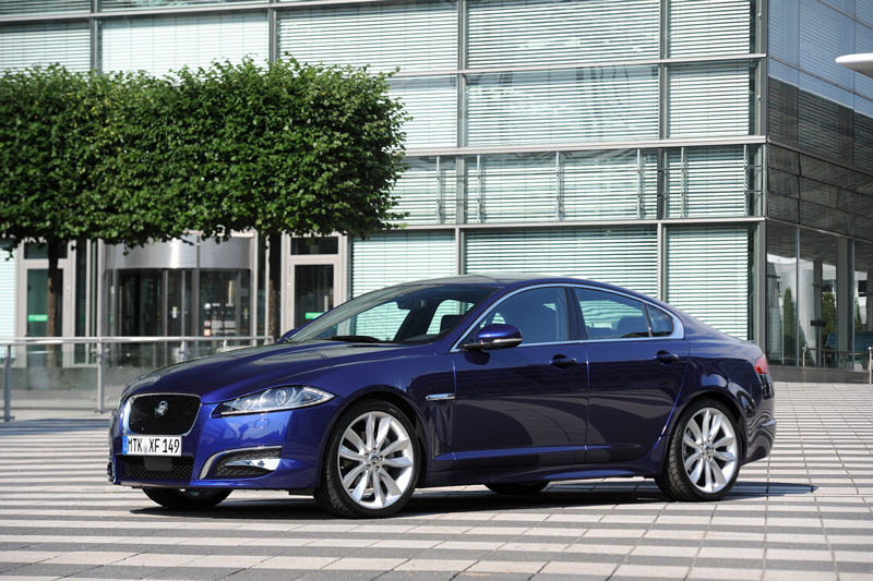 Foto Lateral Jaguar Xf Sedan 2011