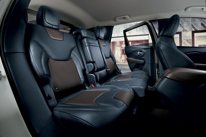 Foto Interiores Jeep Cherokee Suv Todocamino 2013
