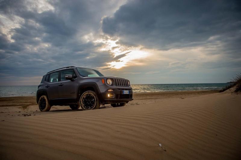 Foto Exteriores Jeep Renegade Night Eagle Suv Todocamino 2016