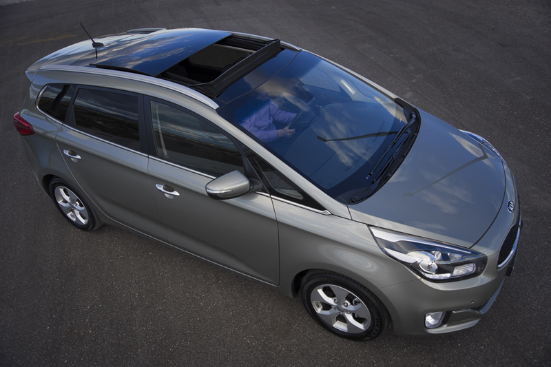 Kia Carens vs. Ford C-Max