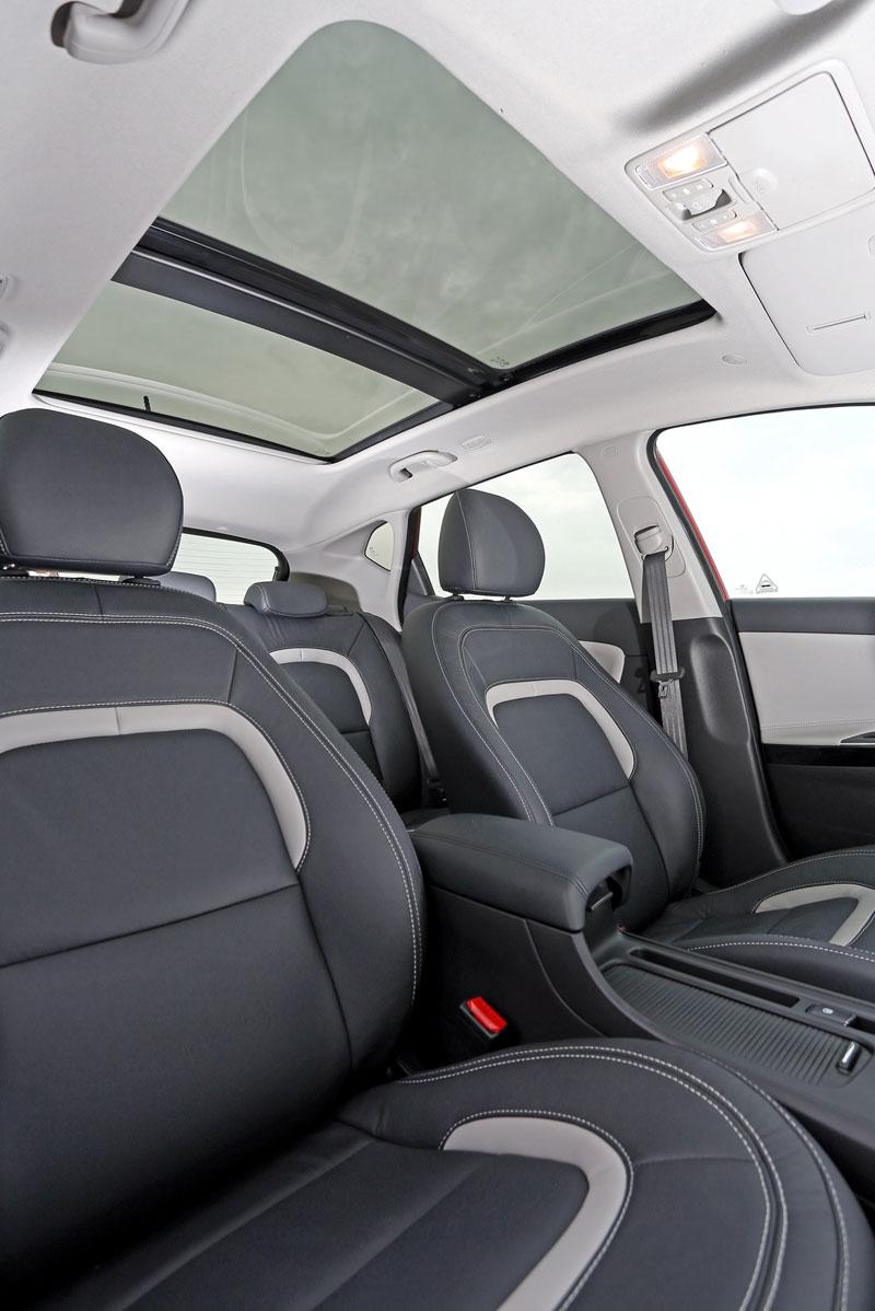 Foto Interiores Kia Ceed Dos Volumenes 2012