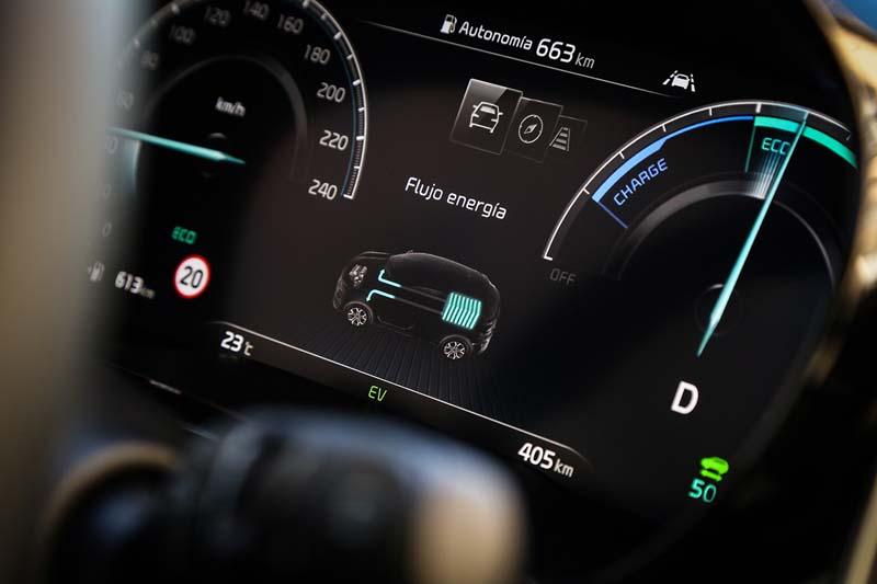 Kia XCeed PHEV 2020, foto cuadro de mandos