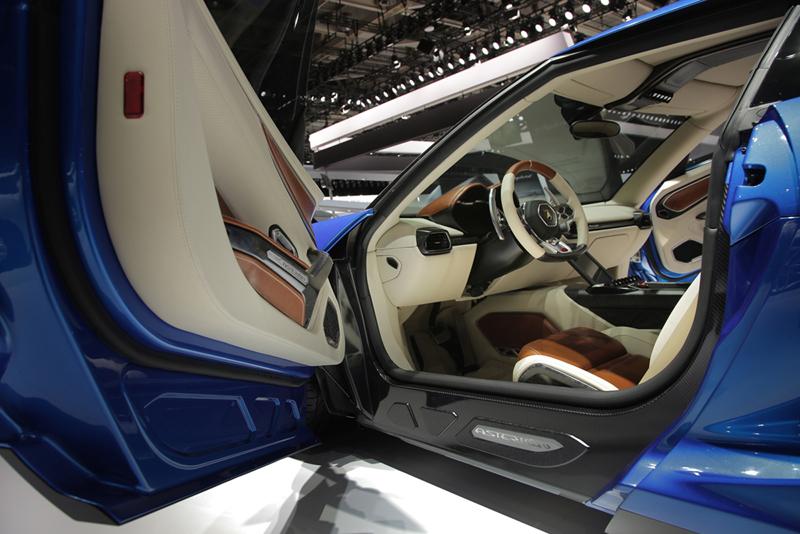 Foto Interiores Lamborghini Asterion Cupe 2014