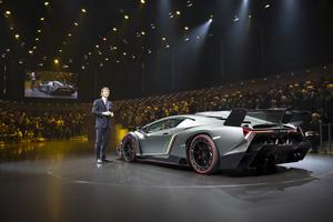 Foto Exteriores (2) Lamborghini Veneno Cupe 2013