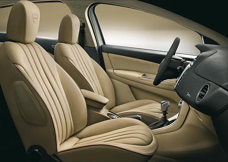 Foto Interiores Lancia Delta Dos Volumenes 2008