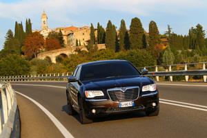 Foto Exteriores_11 Lancia Thema Sedan 2011