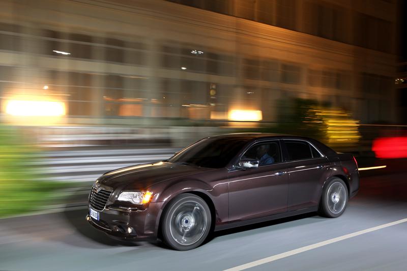 Foto Exteriores_05 Lancia Thema Sedan 2011
