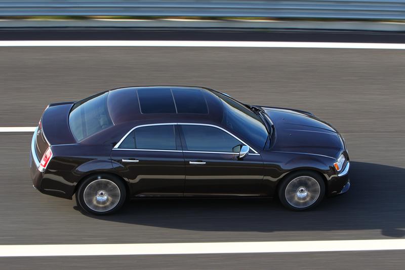 Foto Exteriores_25 Lancia Thema Sedan 2011