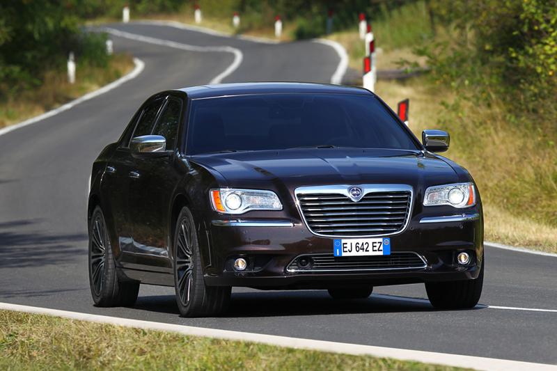 Foto Exteriores_30 Lancia Thema Sedan 2011