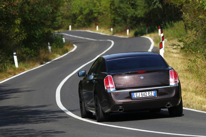 Foto Exteriores_32 Lancia Thema Sedan 2011