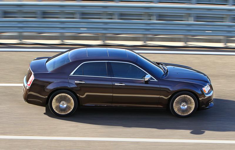Foto Exteriores_39 Lancia Thema Sedan 2011