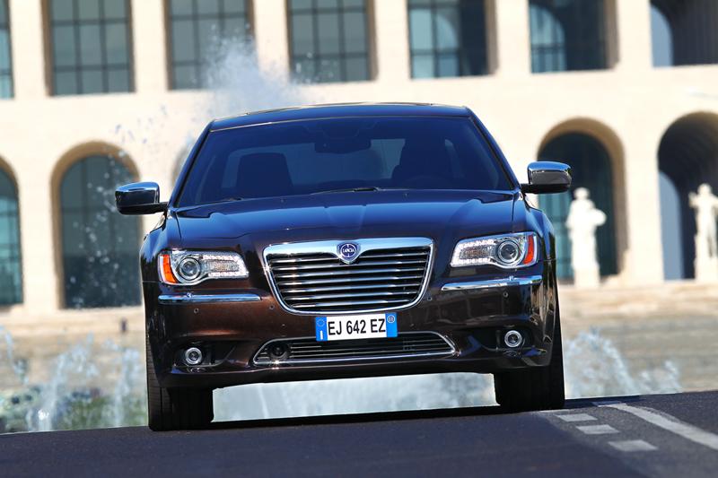 Foto Exteriores_47 Lancia Thema Sedan 2011