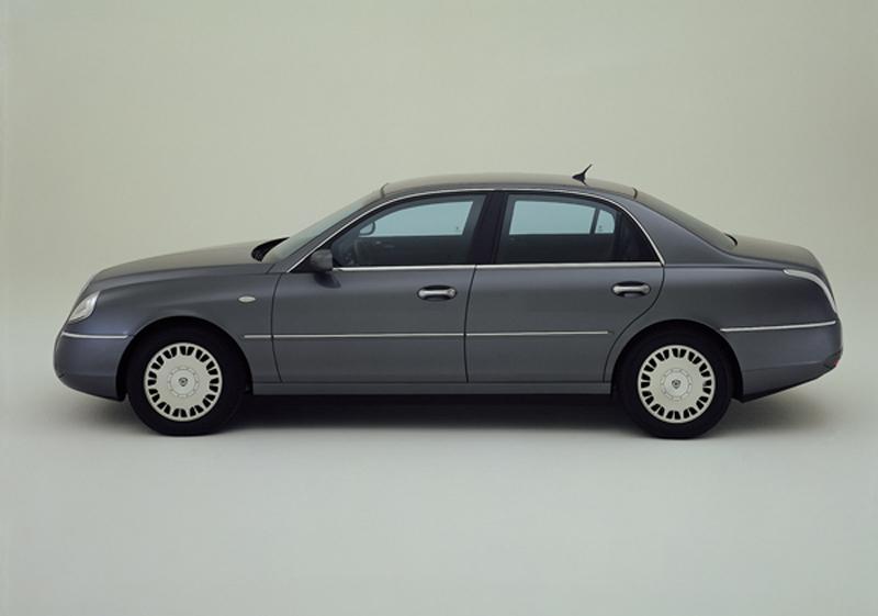 Foto Perfil Lancia Thesis Sedan 2002