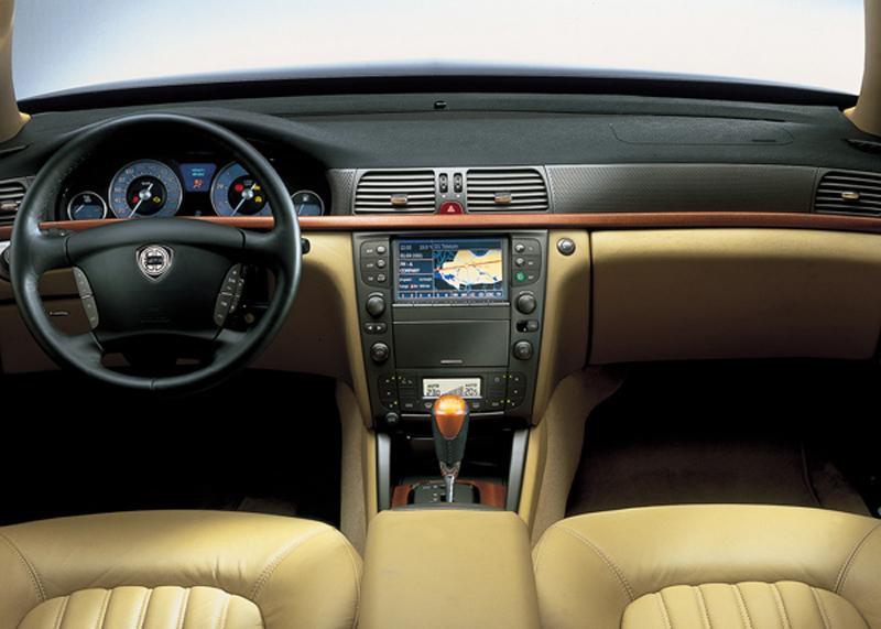 Foto Salpicadero Lancia Thesis Sedan 2002