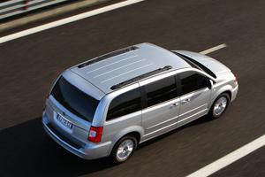 Foto Exteriores_05 Lancia Voyager Monovolumen 2011
