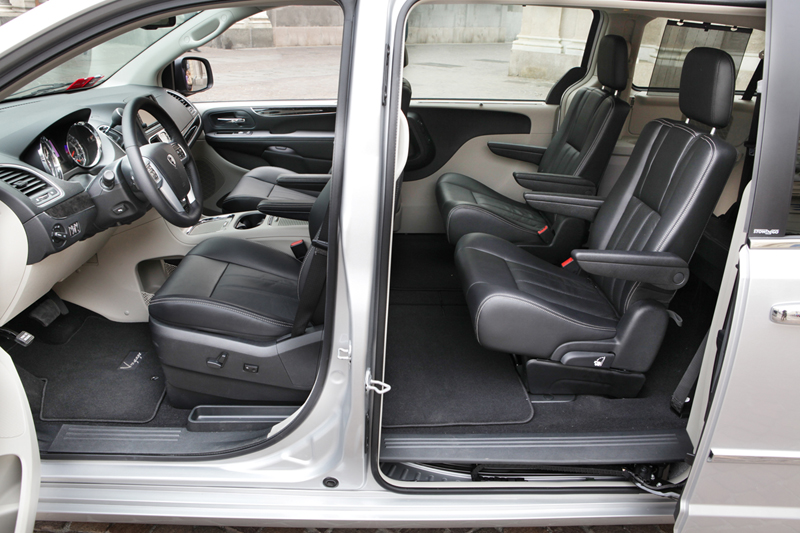 Foto Interiores_05 Lancia Voyager Monovolumen 2011