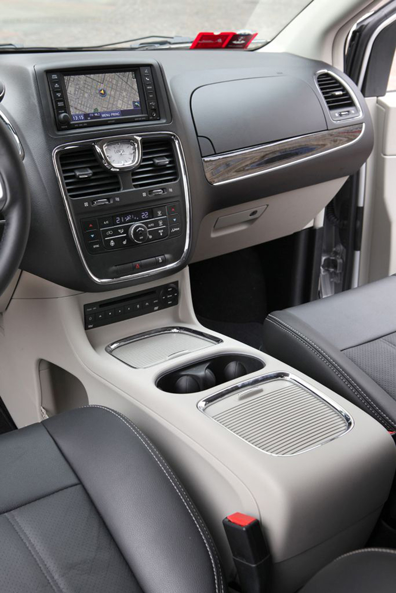 Foto Interiores (3) Lancia Voyager Monovolumen 2013