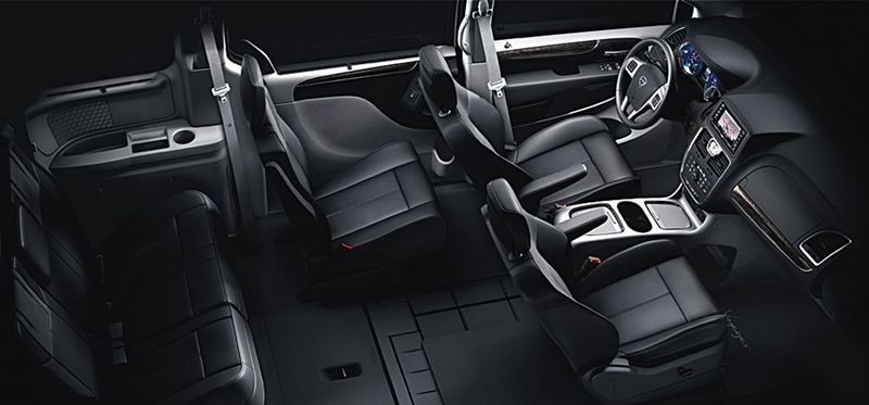 Foto Interiores (9) Lancia Voyager Monovolumen 2013