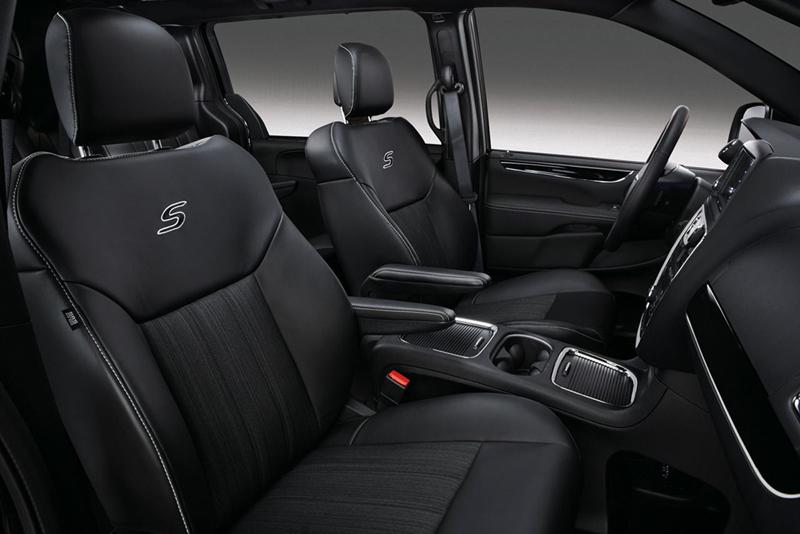 Foto Interiores Lancia Voyager S Monovolumen 2014