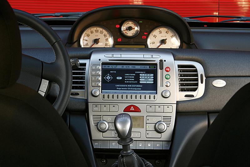 Foto Interiores Lancia Ypsilon Dos Volumenes 2007