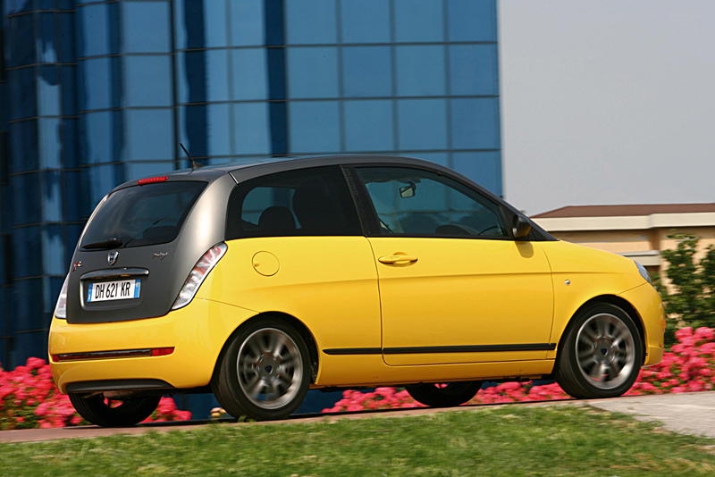 Foto Trasero Lancia Ypsilon Dos Volumenes 2007