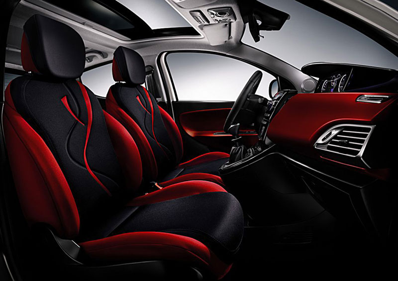 Foto Interiores Lancia Ypsilon Dos Volumenes 2011
