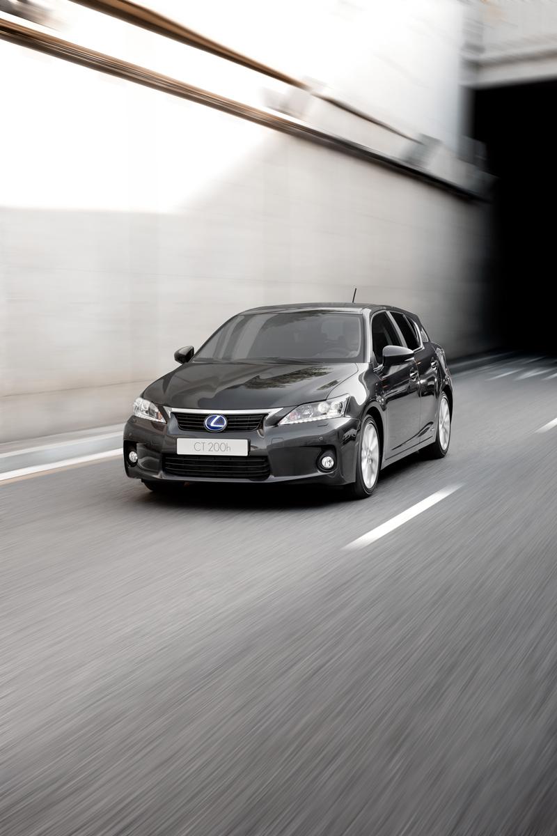 Foto Exteriores Lexus Ct Dos Volumenes 2011