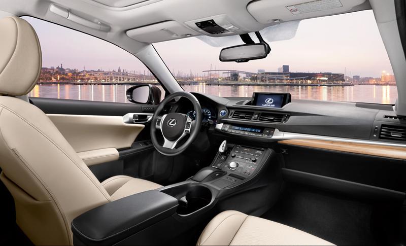 Foto Interiores Lexus Ct Dos Volumenes 2011