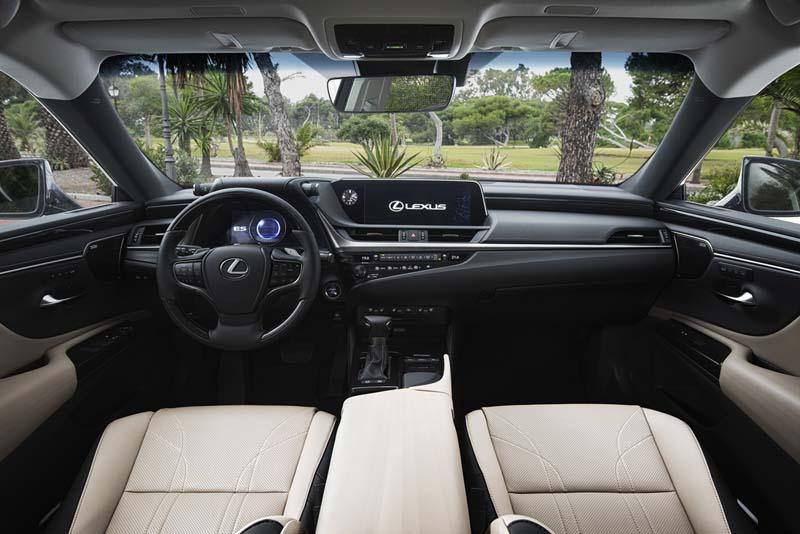 Lexus ES 300h, foto salpicadero
