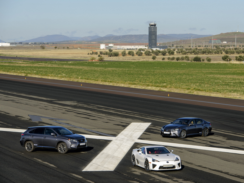Lexus Gama F Sport 2012